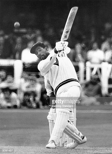 Viv Richards bats at Trent Bridge