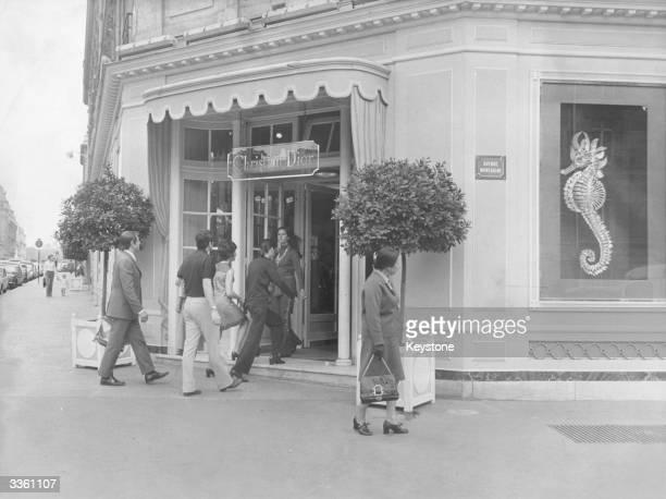 The House Of Dior on Avenue Montaigne Paris