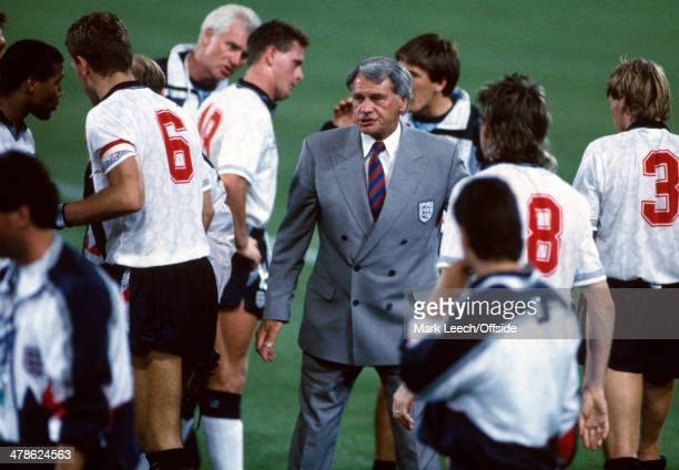 26 June 1990 Fifa World Cup England v Belgium England manager Bobby Robson talks to his players before the start of Extra Time