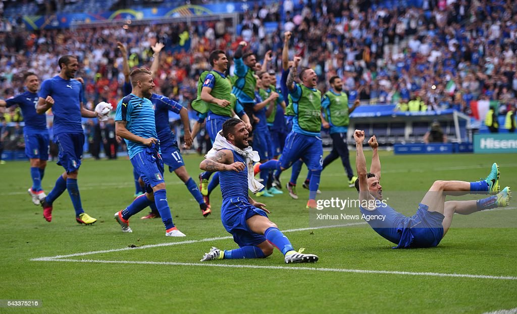PARIS, June 28, 2016-- Players of Italy celebrate after winning the Euro 2016 round of 16 football match between Spain and Italy in Paris, France, June 27, 2016. Italy won 2-0.