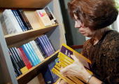 June Kapitan owner of Quantumbooks stocks a shelf with textbooks August 16 2005 in Boston Massachusetts The Government Accountability Office finds...