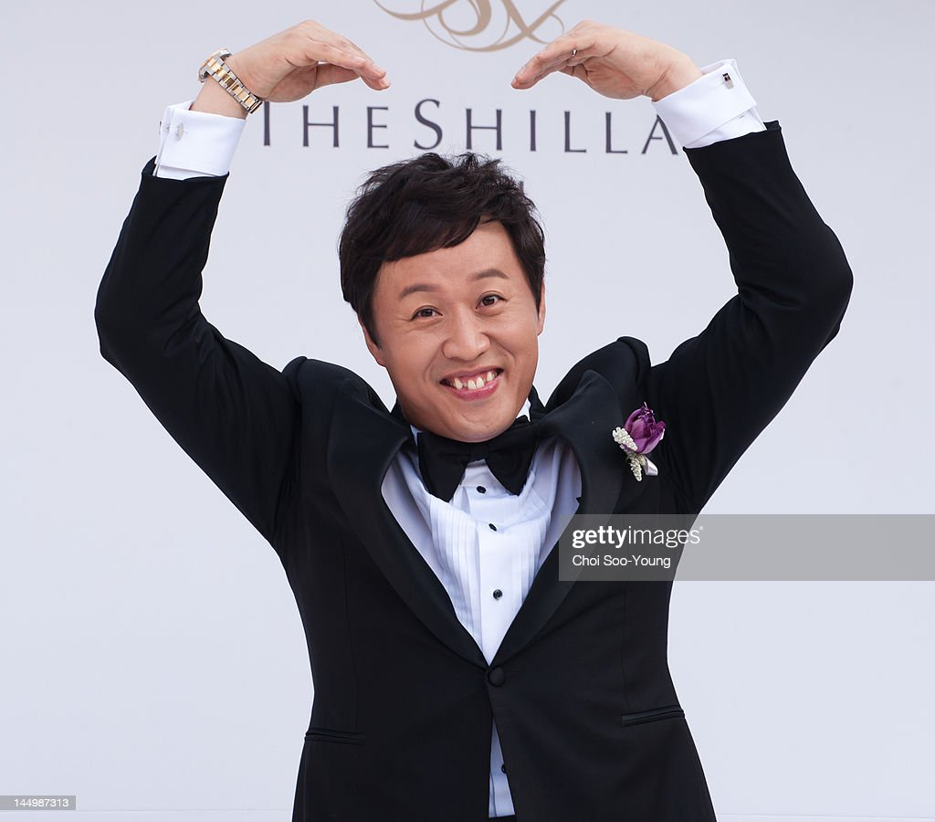 Jung Jun-Ha speaks to the media before his Wedding at Shilla hotel on May 20, 2012 in Seoul, South Korea.