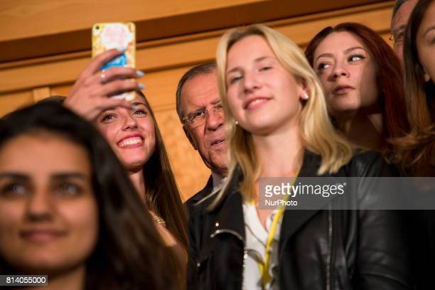 Jung people take selfies with Russian Foreign Minister Sergey Lavrov during an event for the end of the 'GermanRussian Youth Exchange Year 2016/17'...