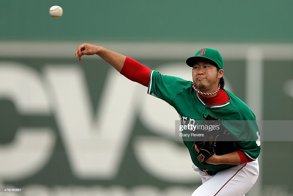 <a gi-track='captionPersonalityLinkClicked' href=/galleries/search?phrase=Junichi+Tazawa&family=editorial&specificpeople=4624306 ng-click='$event.stopPropagation()'>Junichi Tazawa</a> #36 of the Boston Red Sox throws a pitch in the ninth inning of a game against the St. Louis Cardinals at JetBlue Park at Fenway South on March 17, 2014 in Fort Myers, Florida.