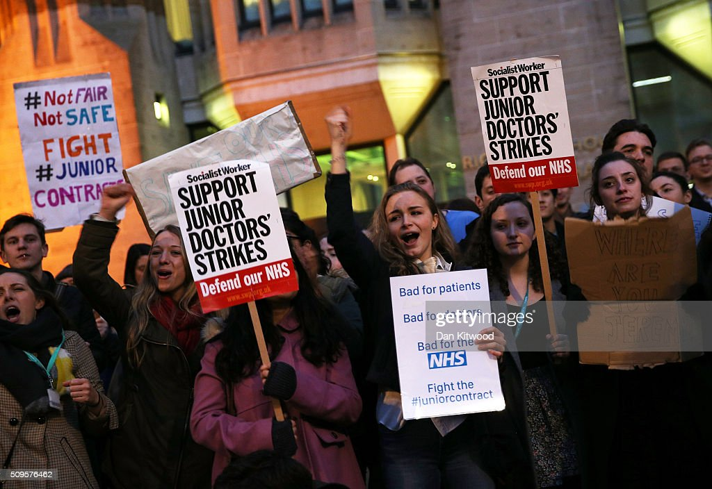 Junior Doctors protest outside the Department of Health at the Government's intention to impose new contracts on February 11, 2016 in London, England. After negotiations between the Government and the British Medical Association lasting four years failed to reach an agreement, Jeremy Hunt has announced in the House of Commons that new contracts would be imposed on Junior Doctors from August 1st 2016.