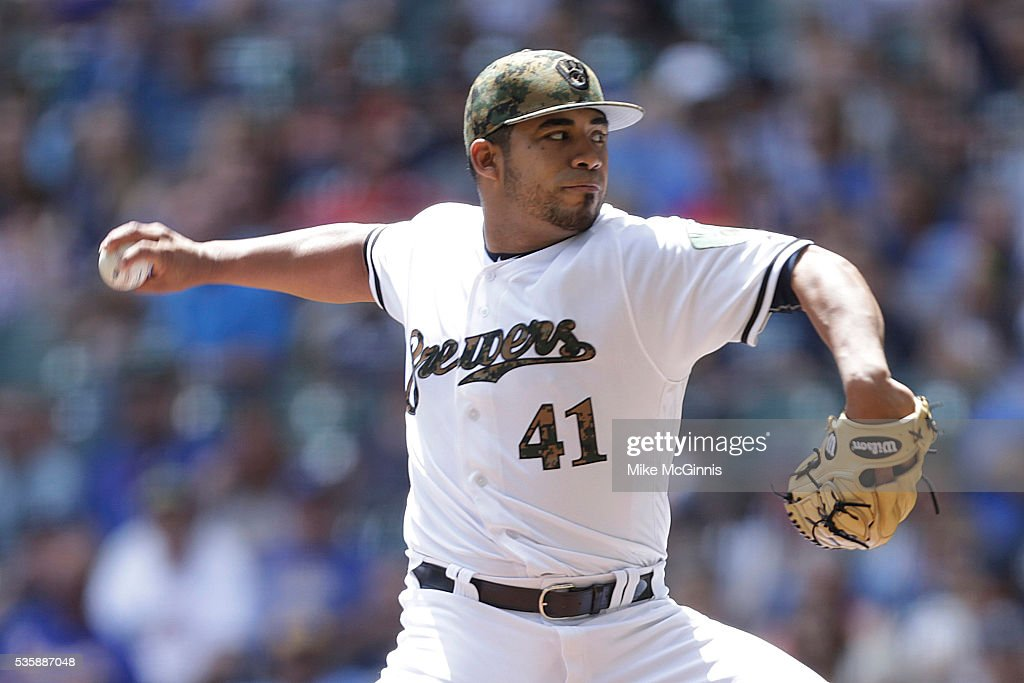 <a gi-track='captionPersonalityLinkClicked' href=/galleries/search?phrase=Junior+Guerra&family=editorial&specificpeople=14694005 ng-click='$event.stopPropagation()'>Junior Guerra</a> #41 of the Milwaukee Brewers pitches during the first inning against the St. Louis Cardinals at Miller Park on May 30, 2016 in Milwaukee, Wisconsin.