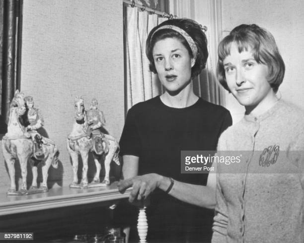 Junior Leaguers who are students of antiques Mrs John Flobeck left and Mrs Allan MacRossie admire Ming horses in home of classmate Mrs Robert Grigsby...