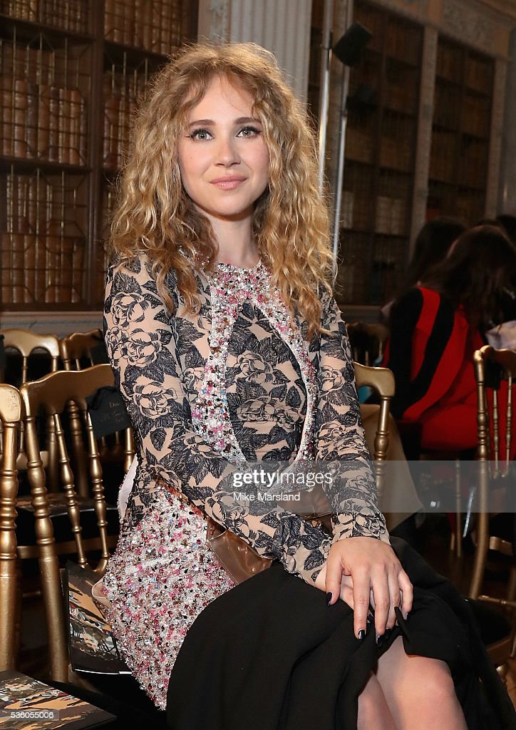 Juno Temple attends the Christian Dior Spring Summer 2017 Cruise Collection at Blenheim Palace on May 31, 2016 in Woodstock, England.