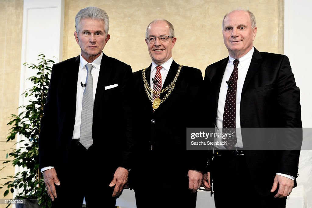 <a gi-track='captionPersonalityLinkClicked' href=/galleries/search?phrase=Jupp+Heynckes&family=editorial&specificpeople=2062040 ng-click='$event.stopPropagation()'>Jupp Heynckes</a> (L) receives Moenchengladbach's Golden Ring on March 13, 2016 in Moenchengladbach, Germany. The 70-year-old former Borussia striker and former head coach of Germany's most successful football club Bayern Muenchen is awarded by mayor Hans Wilhelm Reiners (C) in a ceremony in front of 300 guests. At the request of Heynckes his longtime friend and football companion <a gi-track='captionPersonalityLinkClicked' href=/galleries/search?phrase=Uli+Hoeness&family=editorial&specificpeople=634868 ng-click='$event.stopPropagation()'>Uli Hoeness</a> (R) holds the eulogy. Heynckes is honored for his outstanding contributions to the sporting significance of the city. The Moenchengladbach ring of honor, one of the highest honors the city, is awarded since 1952.