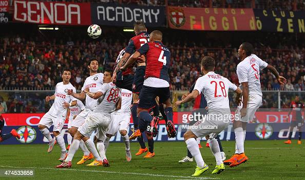 Juraj Kucka of Genoa CFC scores his goal during the Serie A match between Genoa CFC and FC Internazionale Milano at Stadio Luigi Ferraris on May 23...