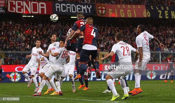 Juraj Kucka of Genoa CFC scores his goal during the Serie A match between Genoa CFC and FC Internazionale Milano at Stadio Luigi Ferraris on May 23...