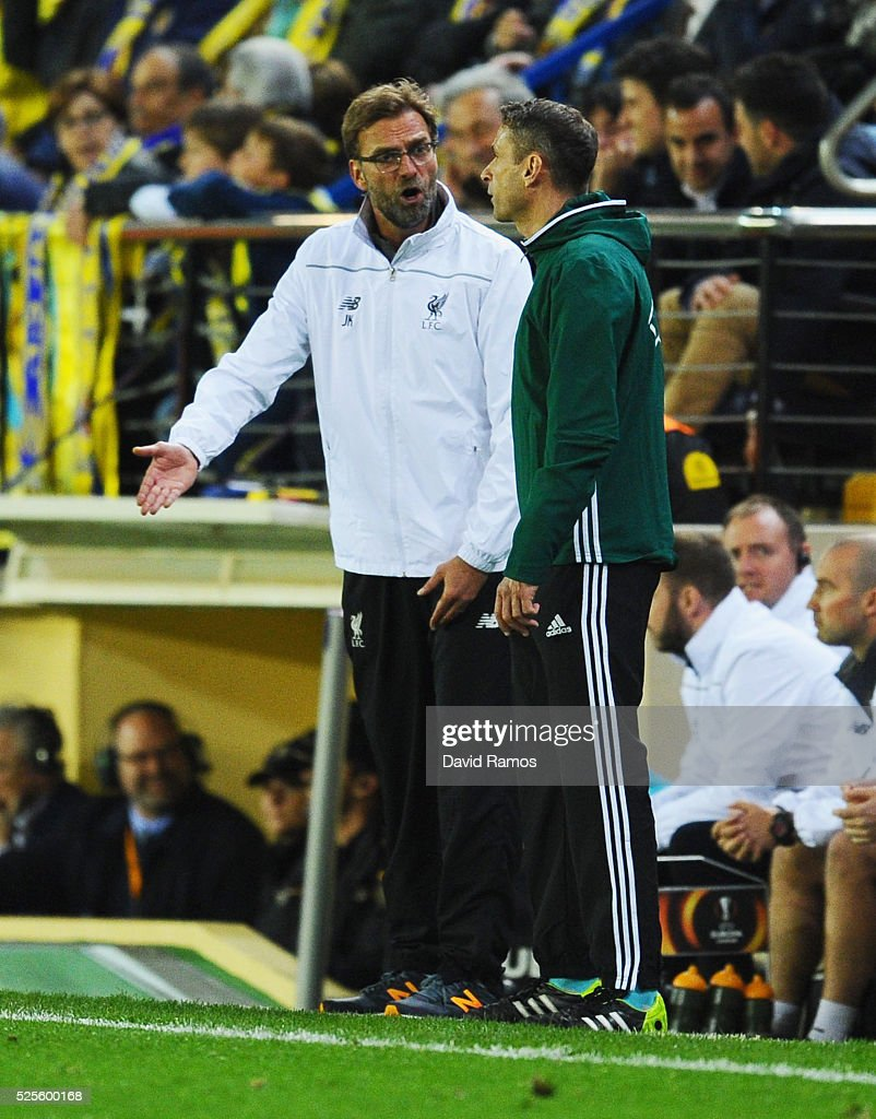 Jurgen Klopp manager of Liverpool appeals to the fourth official during the UEFA Europa League semi final first leg match between Villarreal CF and Liverpool at Estadio El Madrigal on April 28, 2016 in Villarreal, Spain.