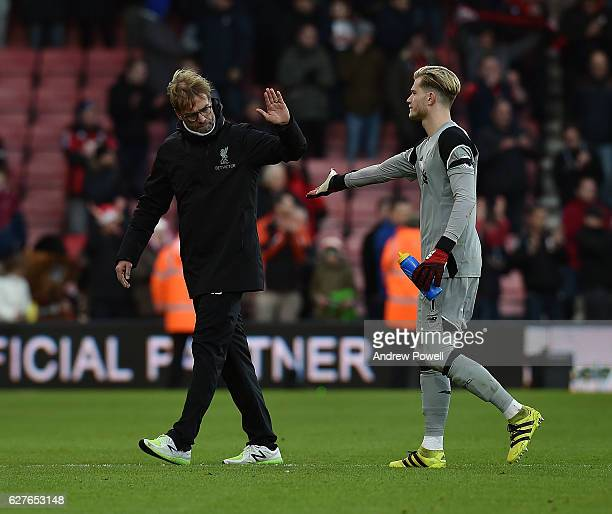 Jurgen Klopp manager of Liverpool shakes hands with Loris Karius at the end of the Premier League match between AFC Bournemouth and Liverpool at the...