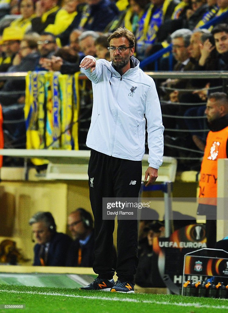 Jurgen Klopp manager of Liverpool signals from the touchline during the UEFA Europa League semi final first leg match between Villarreal CF and Liverpool at Estadio El Madrigal on April 28, 2016 in Villarreal, Spain.
