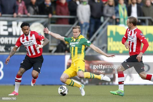 Jurgen Locadia of PSV Thomas Meissner of ADO Den Haag Siem de Jong of PSVduring the Dutch Eredivisie match between ADO Den Haag and PSV Eindhoven at...