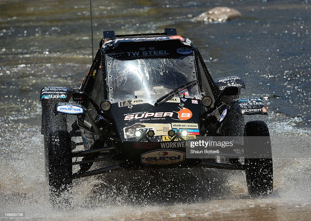 Jurgen Van Den Goorbergh of team Suzuki competes in stage 10 from Cordoba to La Rioja during the 2013 Dakar Rally on January 15, 2013 in Cordoba, Argentina.