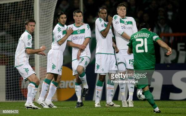 Jurica Vranjes Claudio Pizarro Markus Rosenberg Naldo and Sebastian Proedel of Werder jumps in the wall during a free kick of Giorgos Karagounis of...