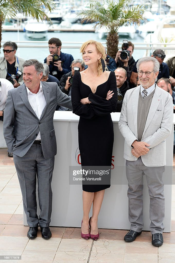 Jury members Daniel Auteuil, Nicole Kidman and jury president Steven Spielberg attends the Jury Photocall at The 66th Annual Cannes Film Festival>> on May 15, 2013 in Cannes, France.