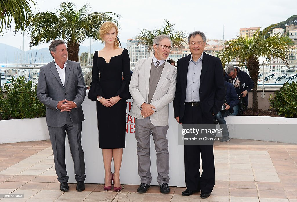 Jury members Daniel Auteuil, Nicole Kidman, jury president Steven Spielberg and Ang Lee attend the Jury photocall during the 66th Annual Cannes Film Festival at Palais des Festivals on May 15, 2013 in Cannes, France.