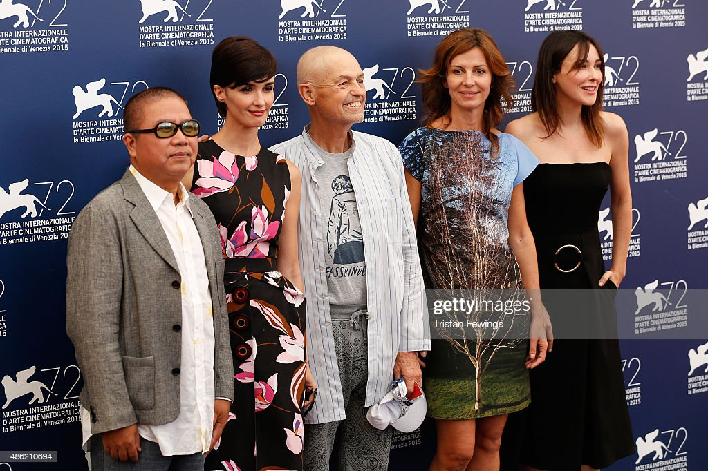 Jury members Fruit Chan, Paz Vega, President Jonathan Demme, Alix Delaporte and Anita Caprioli attends the Orizzonti Jury Photocall during the 72nd Venice Film Festival on September 2, 2015 in Venice, Italy.