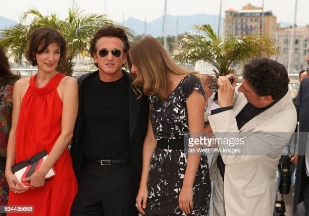 Jury members Jeanne Balibar Sean Penn Alexandra Maria Lara and Sergio Castellitto pose for photographers during the 61st Cannes Film Festival at the...