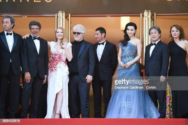 Jury members Paolo Sorrentino Gabriel Yared Jessica Chastain President of the jury Pedro Almodovar May of Cannes David Lisnard and jury members Fan...