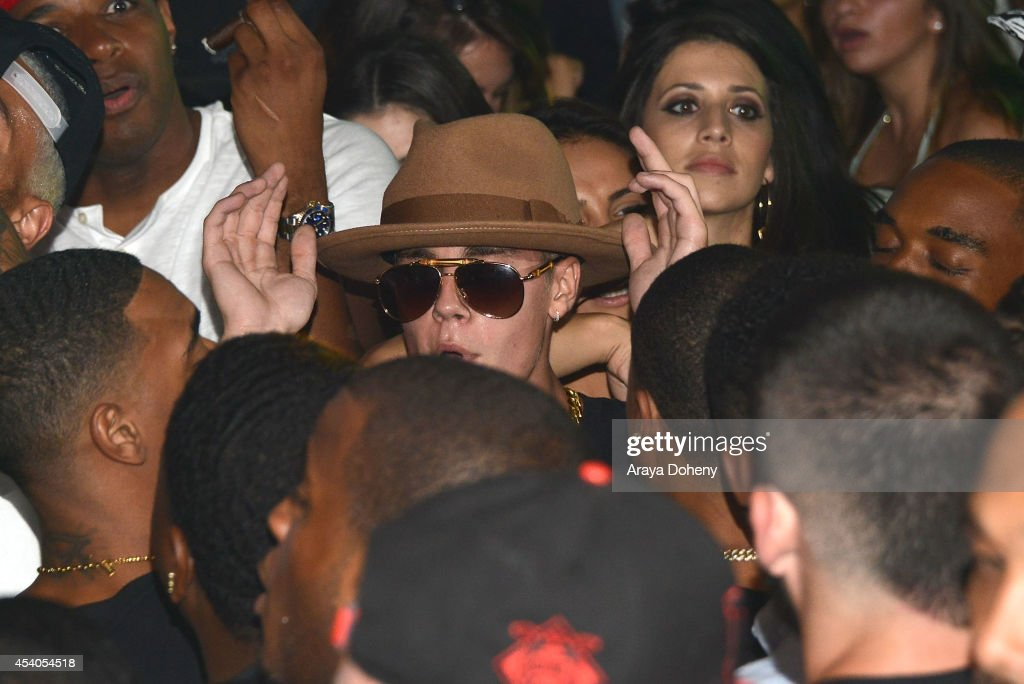 <a gi-track='captionPersonalityLinkClicked' href=/galleries/search?phrase=Justin+Bieber&family=editorial&specificpeople=5780923 ng-click='$event.stopPropagation()'>Justin Bieber</a> attends a VMA Pre-Party hosted by Chris Brown & Pia Mia featuring Bera on August 23, 2014 in Los Angeles, California.