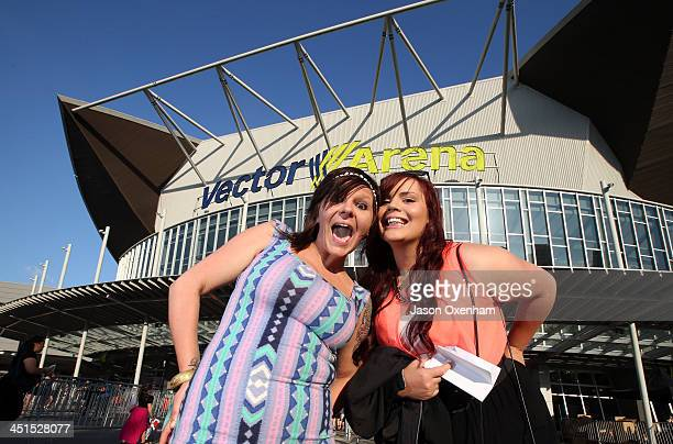 Justin Bieber fans Nicky Bradburn and Jahleia Mane arrive at Vector Arena on November 23 2013 in Auckland New Zealand