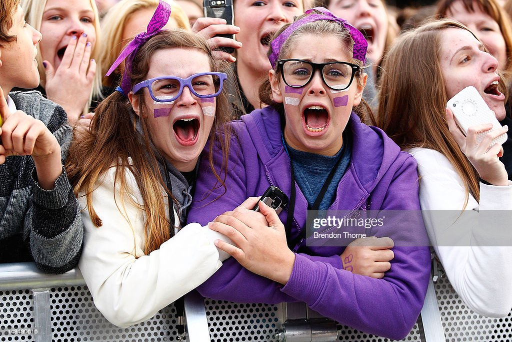 Justin Bieber fans scream during his performance for the 'Sunrise' broadcast at the Overseas Passenger Terminal on July 18, 2012 in Sydney, Australia.