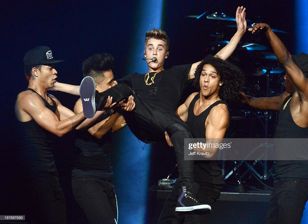 <a gi-track='captionPersonalityLinkClicked' href=/galleries/search?phrase=Justin+Bieber&family=editorial&specificpeople=5780923 ng-click='$event.stopPropagation()'>Justin Bieber</a> performs at KIIS-FM's Jingle Ball at Nokia Theatre LA Live on December 3, 2012 in Los Angeles, California.