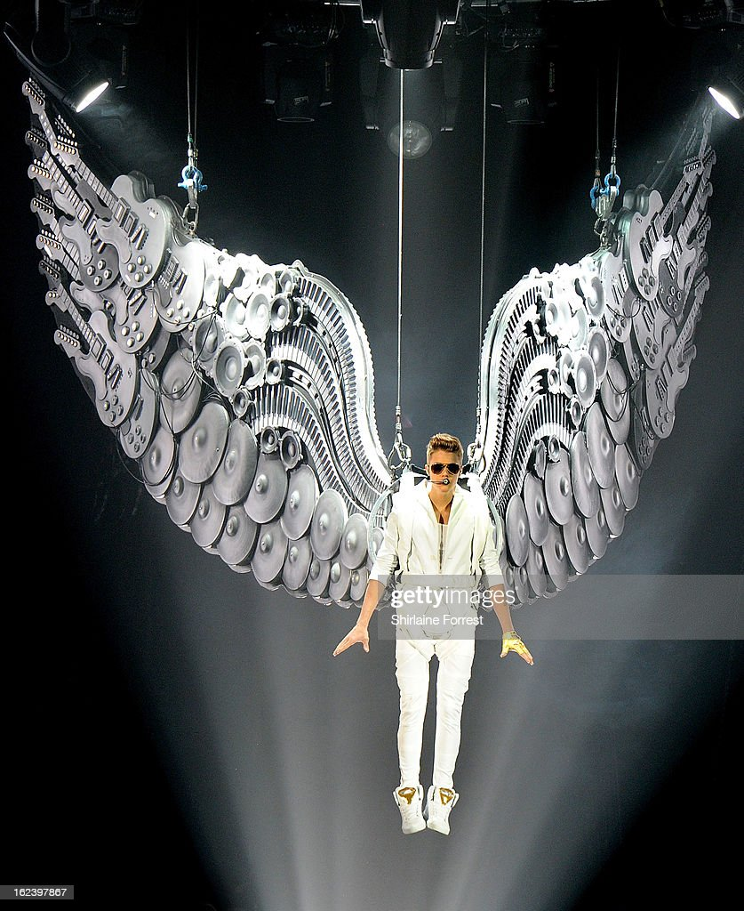 <a gi-track='captionPersonalityLinkClicked' href=/galleries/search?phrase=Justin+Bieber&family=editorial&specificpeople=5780923 ng-click='$event.stopPropagation()'>Justin Bieber</a> performs at Manchester Arena on February 22, 2013 in Manchester, England.