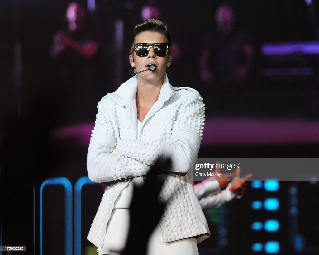 <a gi-track='captionPersonalityLinkClicked' href=/galleries/search?phrase=Justin+Bieber&family=editorial&specificpeople=5780923 ng-click='$event.stopPropagation()'>Justin Bieber</a> performs at Philips Arena on August 10, 2013 in Atlanta, Georgia.