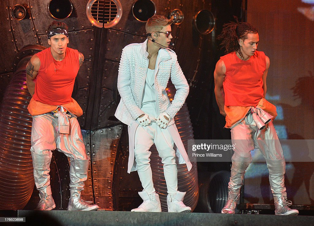 <a gi-track='captionPersonalityLinkClicked' href=/galleries/search?phrase=Justin+Bieber&family=editorial&specificpeople=5780923 ng-click='$event.stopPropagation()'>Justin Bieber</a> performs at Phillips Arena on August 10, 2013 in Atlanta, Georgia.