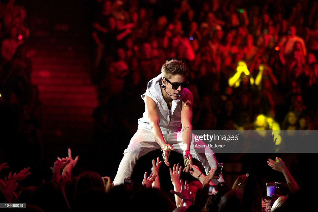 <a gi-track='captionPersonalityLinkClicked' href=/galleries/search?phrase=Justin+Bieber&family=editorial&specificpeople=5780923 ng-click='$event.stopPropagation()'>Justin Bieber</a> performs at Target Center on October 20, 2012 in Minneapolis, Minnesota.