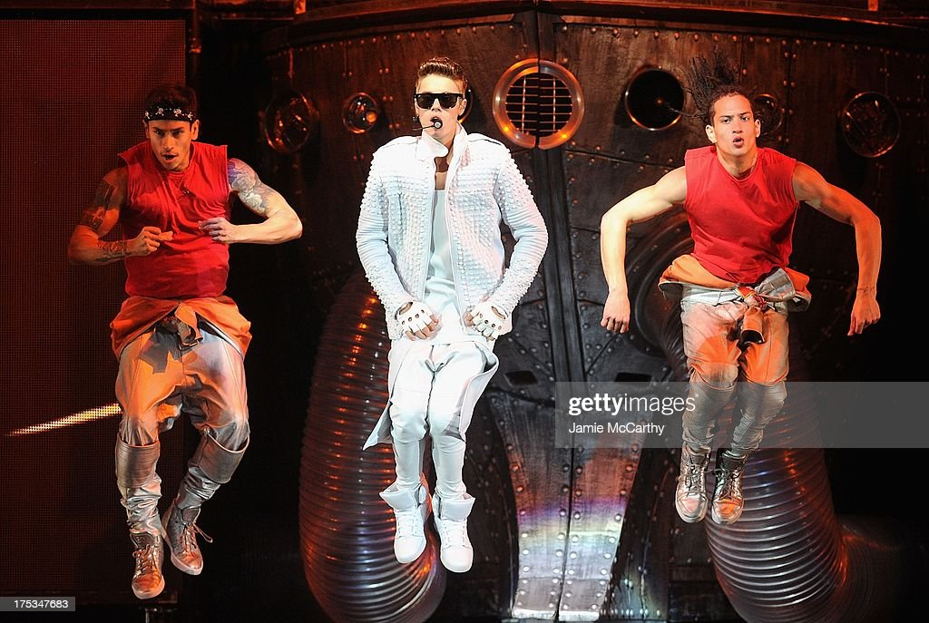<a gi-track='captionPersonalityLinkClicked' href=/galleries/search?phrase=Justin+Bieber&family=editorial&specificpeople=5780923 ng-click='$event.stopPropagation()'>Justin Bieber</a> performs at the Barclays Center on August 2, 2013 in the Brooklyn borough of New York, New York.