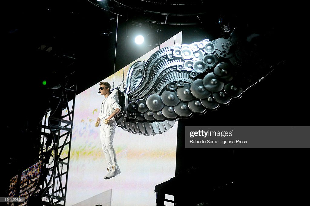 <a gi-track='captionPersonalityLinkClicked' href=/galleries/search?phrase=Justin+Bieber&family=editorial&specificpeople=5780923 ng-click='$event.stopPropagation()'>Justin Bieber</a> performs at Unipol Arena on March 23, 2013 in Bologna, Italy.