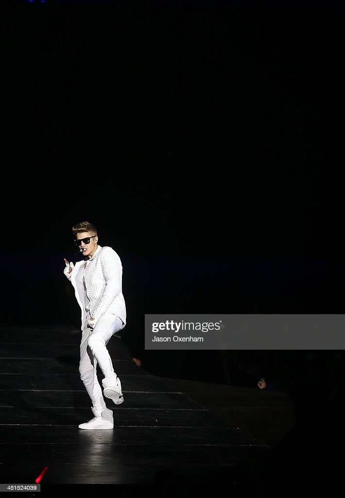 <a gi-track='captionPersonalityLinkClicked' href=/galleries/search?phrase=Justin+Bieber&family=editorial&specificpeople=5780923 ng-click='$event.stopPropagation()'>Justin Bieber</a> performs live for fans at Vector Arena on November 23, 2013 in Auckland, New Zealand.