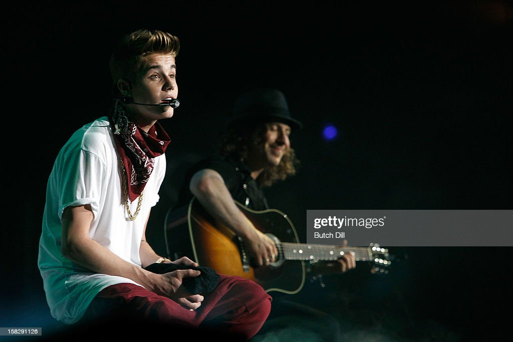 <a gi-track='captionPersonalityLinkClicked' href=/galleries/search?phrase=Justin+Bieber&family=editorial&specificpeople=5780923 ng-click='$event.stopPropagation()'>Justin Bieber</a> performs onstage during Power 96.1's Jingle Ball 2012 at the Philips Arena on December 12, 2012 in Atlanta.