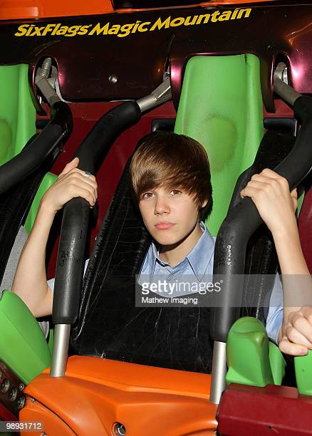 COVERAGE*** Justin Bieber visits Six Flags Magic Mountain on May 8 2010 in Valencia California