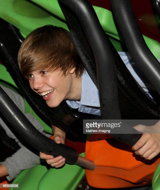 VALENCIA CA MAY 08 Justin Bieber visits Six Flags Magic Mountain on May 8 2010 in Valencia California