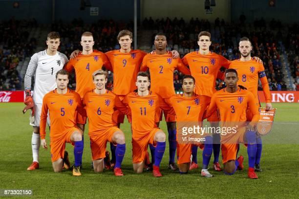 Justin Bijlow of Jong Oranje Rick van Drongelen of Jong Oranje Sam Lammers of Jong Oranje Denzel Dumfries of Jong Oranje Guus Til of Jong Oranje Bart...