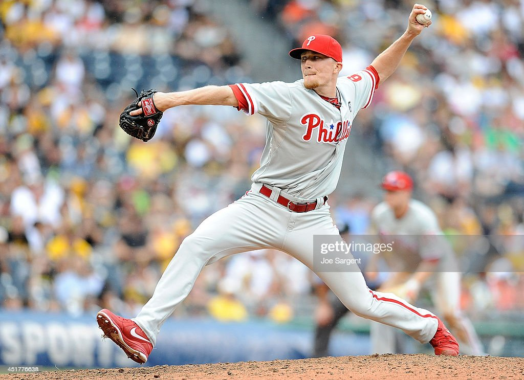 Justin De Fratus #30 of the Philadelphia Phillies pitches during the eighth inning against the Pittsburgh Pirates on July 6, 2014 at PNC Park in Pittsburgh, Pennsylvania.