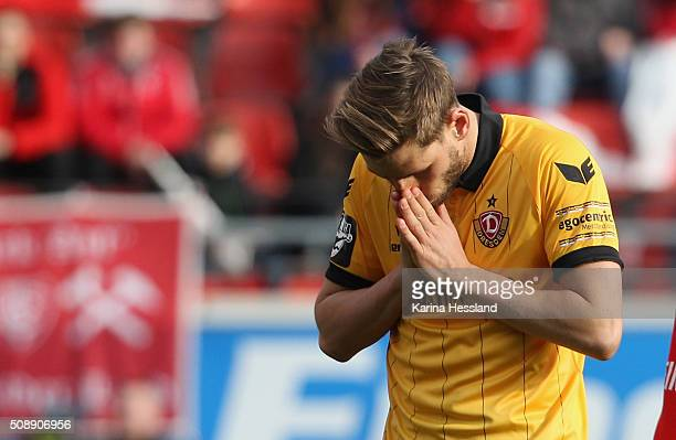 Justin Eilers of Dresden looks dejected after forgiven goalchance during the Third League match between Hallescher FC and SG Dynamo Dresden at erdgas...