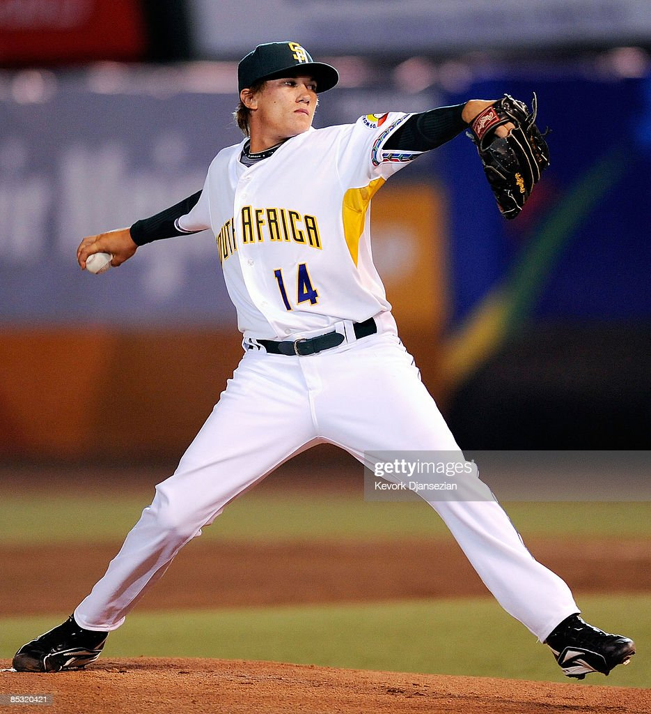 Justin Erasmus #14 of South Africa throws a pitch against Mexico during the 2009 World Baseball Classic Pool B game on March 9, 2009 at the Estadio Foro Sol in Mexico City, Mexico.