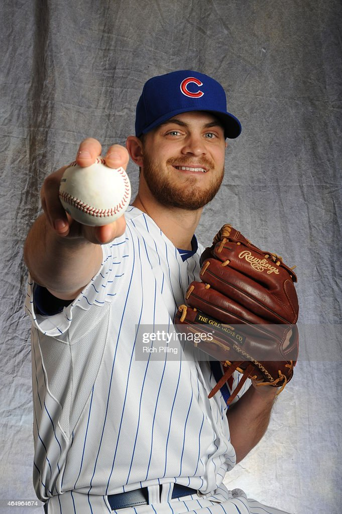 Justin Grimm #32 of the Chicago Cubs poses for a portrait during Photo Day on March 2, 2015 at Sloan Park in Mesa, Arizona.