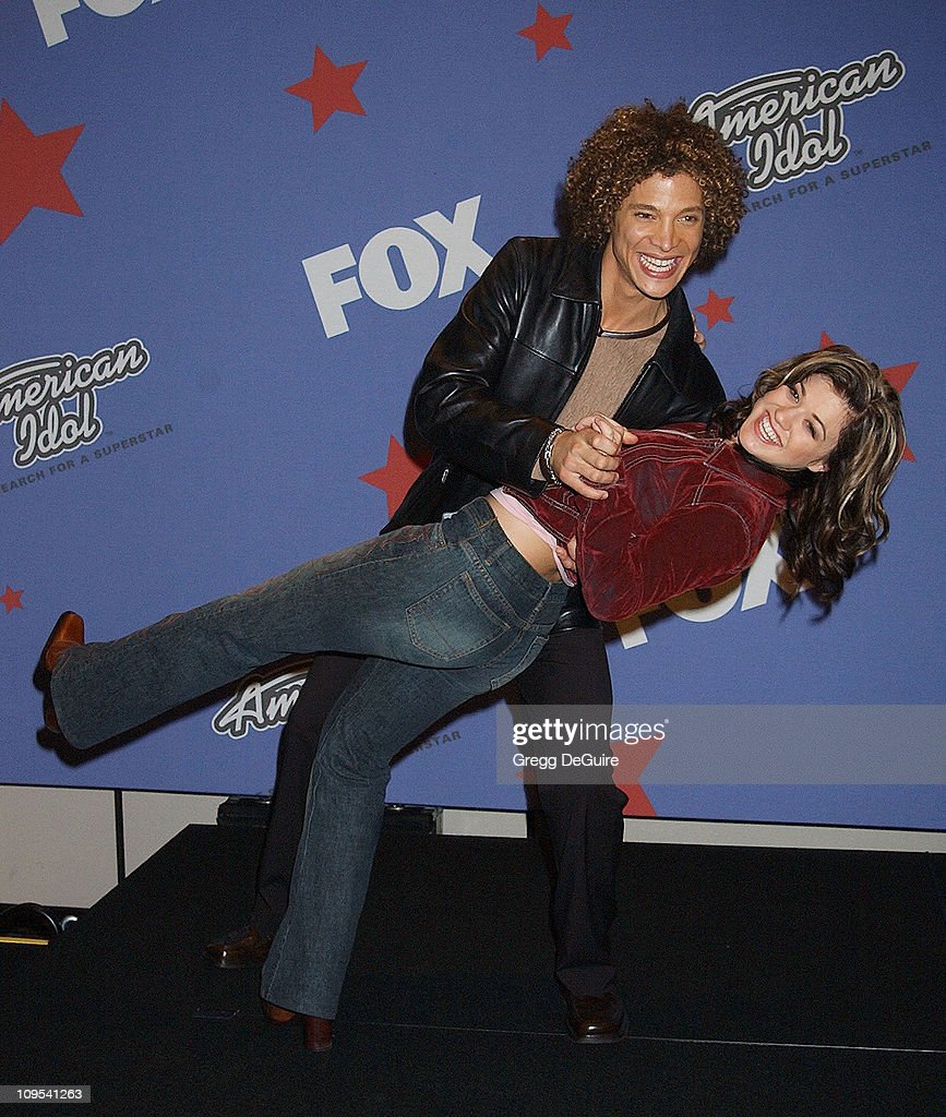 Justin Guarini Kelly Clarkson during 'American Idol' Season 1 Finale Results Show Press Room at Kodak Theatre in Hollywood California United States