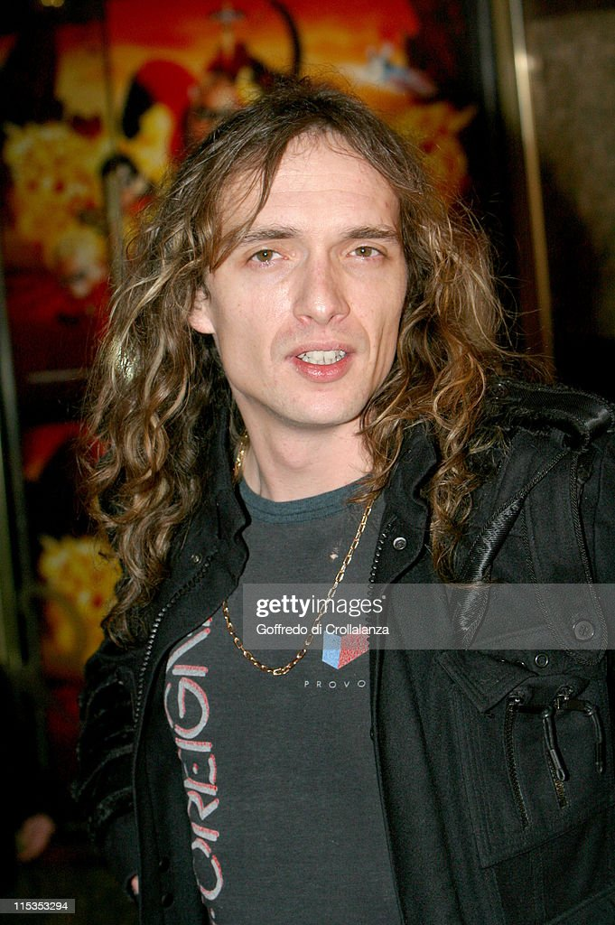 <a gi-track='captionPersonalityLinkClicked' href=/galleries/search?phrase=Justin+Hawkins&family=editorial&specificpeople=171558 ng-click='$event.stopPropagation()'>Justin Hawkins</a> of <a gi-track='captionPersonalityLinkClicked' href=/galleries/search?phrase=The+Darkness&family=editorial&specificpeople=206457 ng-click='$event.stopPropagation()'>The Darkness</a> during 'The Incredibles' London Premiere at Empire Leicester Square in London, United Kingdom.