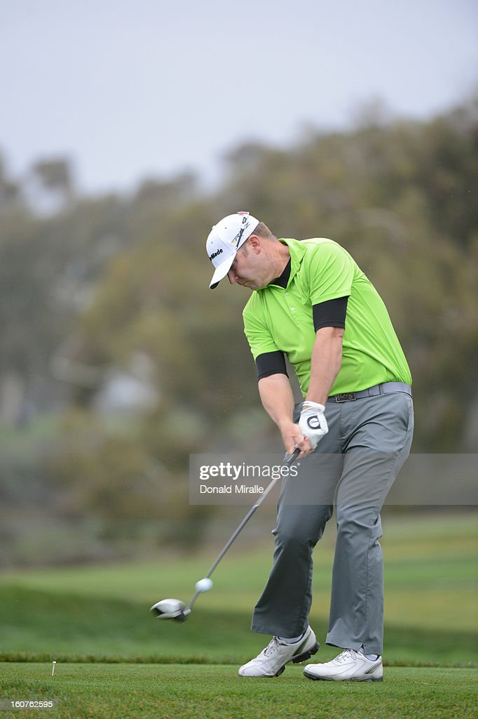 Justin Hicks hits off the tee box during the Third Round at the Farmers Insurance Open at Torrey Pines South Golf Course on January 27, 2013 in La Jolla, California.
