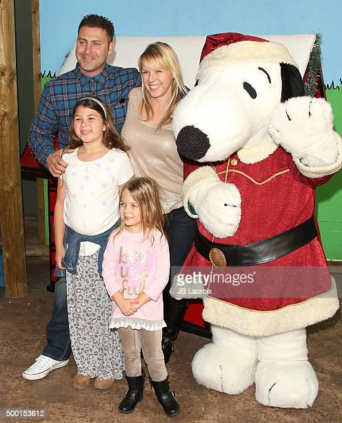 Justin Hodak Zoie Herpin Beatrix SweetinCoyle actress Jodie Sweetin and Snoopy attend Knott's Berry Farm's countdown to Christmas and Snoopy's...