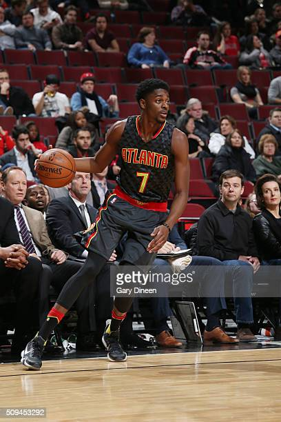 Justin Holiday of the Atlanta Hawks drives to the basket against the Chicago Bulls during the game on February 10 2016 at United Center in Chicago...